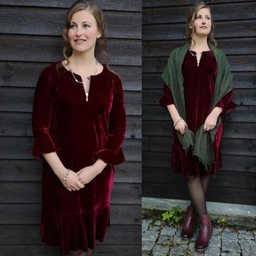 kaia-kjole-vinrød