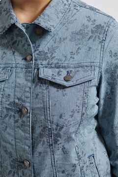 stripet-jeans-jakke-mblomdterprint-lyseblå