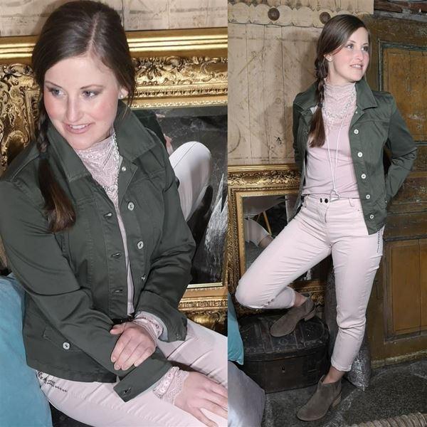 Bilde for kategori Hverdagsfin i jeans jakke 💚